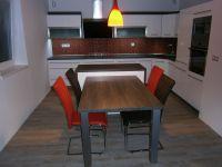 Moderní kuchyně ve vysokém lesku Plzeň