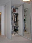Vestavěné skříně se zrcadlem