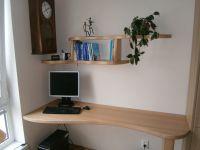 Bukový masivní psací stůl