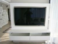 televizní stěna na míru truhlářství plzeň