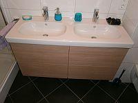 skříňka do koupelny pod 2 umyvadla